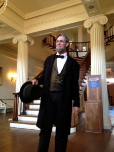 Lincoln re-enactor Randy Duncan entertaining the crowds at Springfield's Old State Capitol